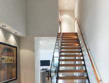 02_PenthouseWash_stairs
